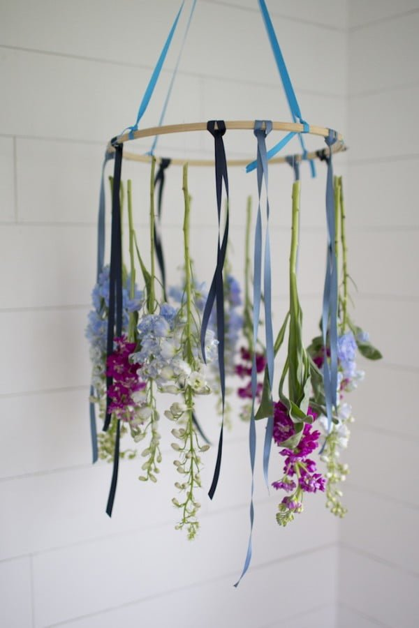 DIY A Floral Chandelier #DIY #floral #chandelier #lighting #homedecor