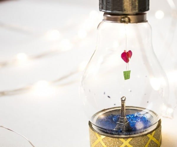 Light Bulb Miniature #DIY #homedecor #craft #repurpose