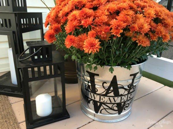 DIY Monogram Bucket for Mums