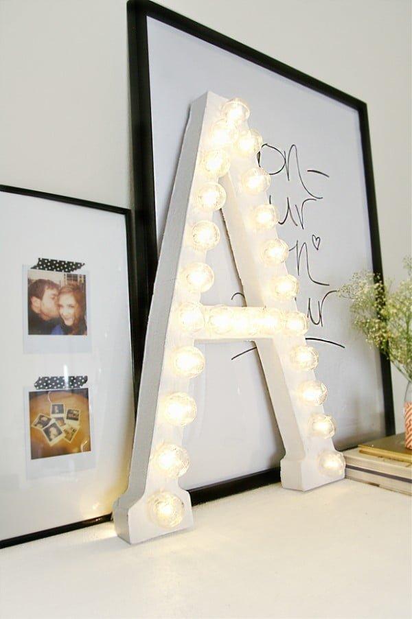 DIY Simple Marquee Letter #DIY #monogram #homedecor #walldecor