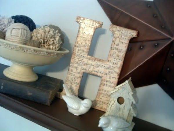 DIY Chipboard Monogram {Sheet Music Letter} #DIY #monogram #homedecor #walldecor
