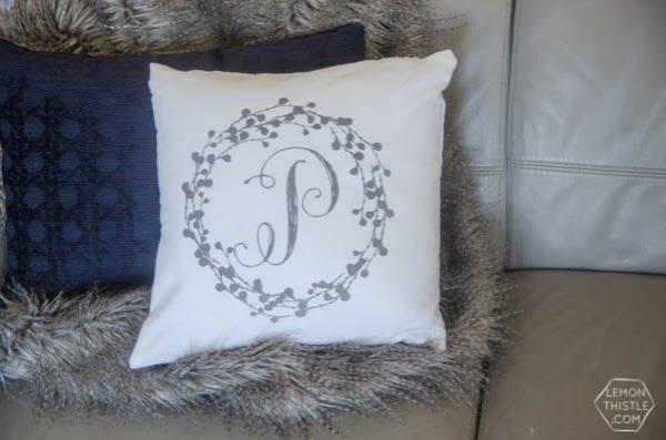 DIY Monogram Pillow Tutorial #DIY #monogram #homedecor #walldecor