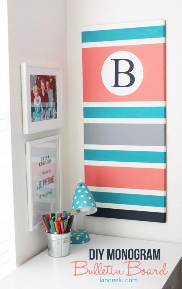 DIY Monogram Bulletin Board #DIY #monogram #homedecor #walldecor