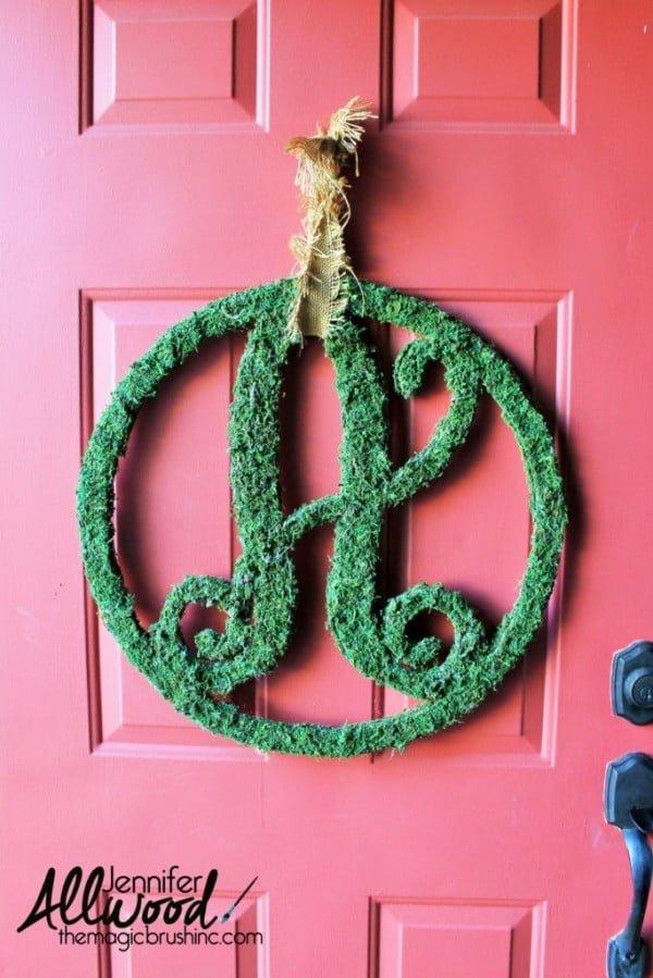 Moss monogram letter #DIY #monogram #homedecor #walldecor