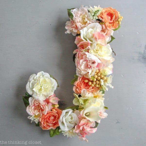 DIY Flower Monogram Letter: Timelapse Video Tutorial #DIY #monogram #homedecor #walldecor