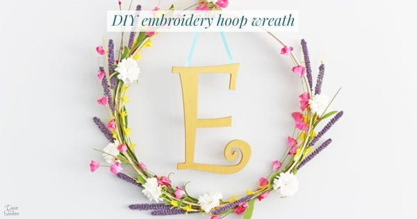DIY Monogram Embroidery Hoop Wreath #DIY #monogram #homedecor #walldecor