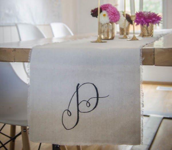 DIY Monogrammed Table Runner #DIY #monogram #homedecor #walldecor