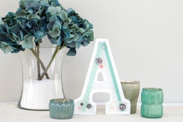 Make your own DIY embellished monogram decor! #DIY #monogram #homedecor #walldecor