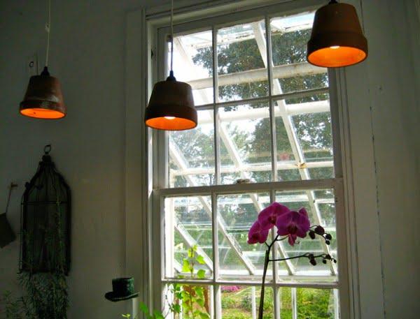 DIY Pendant Lamps From Garden Pots