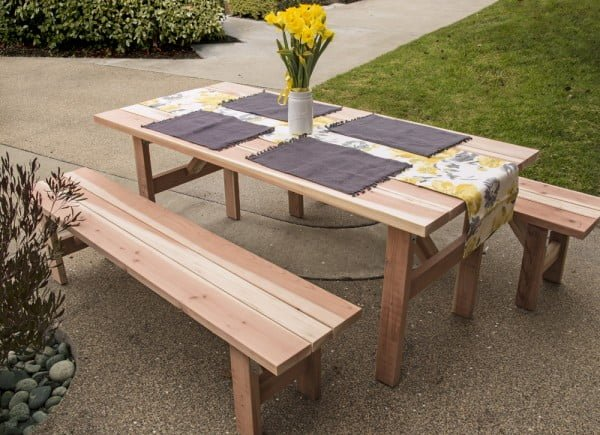 DIY Picnic Table and Benches #DIY #woodworking #outdoors #backyard #garden