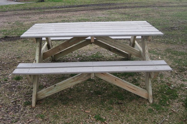 How To Build an Adult-Sized Picnic Table #DIY #woodworking #outdoors #backyard #garden