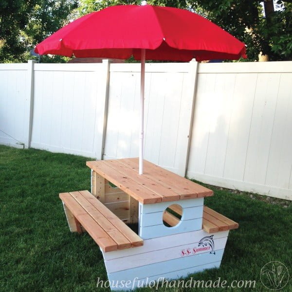 How to Build a Nautical Picnic Table for Bigger Kids #DIY #woodworking #outdoors #backyard #garden