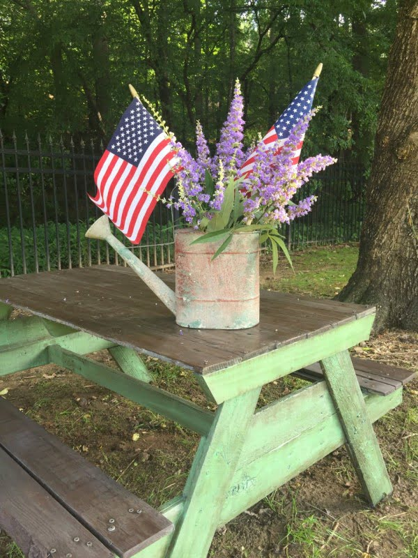 Summer Fun: DIY Picnic Table for the Backyard