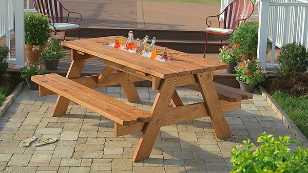 DIY Picnic Table with Built-in Cooler #DIY #woodworking #outdoors #backyard #garden