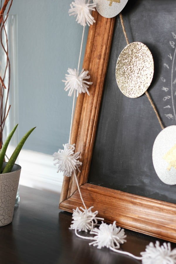 Easy DIY Pom Pom Garland
