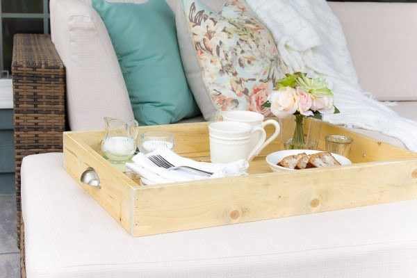How to Make your own DIY Farmhouse Serving Tray
