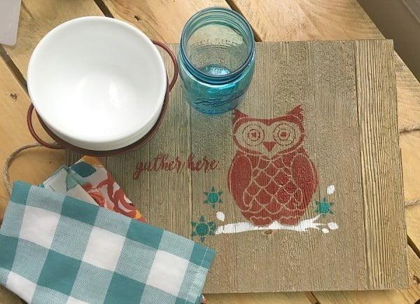 DIY rustic serving tray #DIY #organize #serving #homedecor #coffeetable