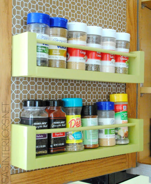 DIY: Wood Spice Rack #DIY #organize #kitchendesign #homedecor
