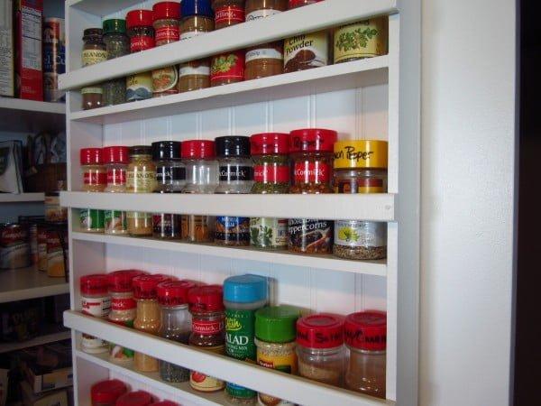 DIY Pantry Spice Rack #DIY #organize #kitchendesign #homedecor