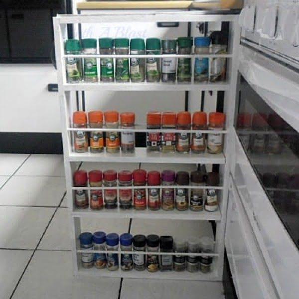 Sliding Spice Rack DIY #DIY #organize #kitchendesign #homedecor