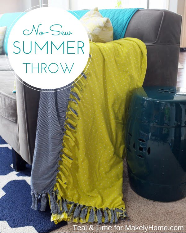 No-Sew Color Block Summer Throw Blanket #DIY #homedecor #crafts