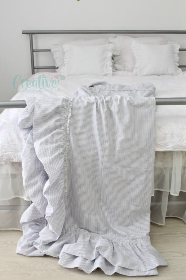 DIY Throw Blanket Ruffled & Double Sided From Linen Fabric #DIY #homedecor #crafts