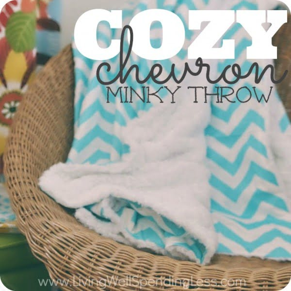 How to Make a Chevron Minky Throw #DIY #homedecor #crafts