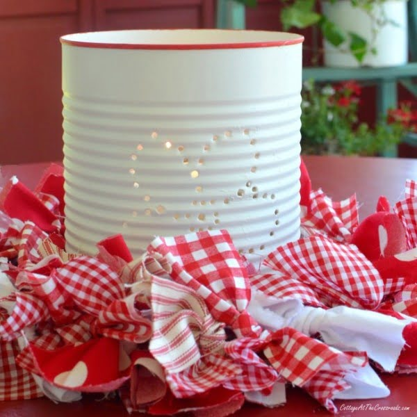 DIY Punched Tin Can Lanterns #DIY #homedecor #tincan #crafts #repurpose #upcycle