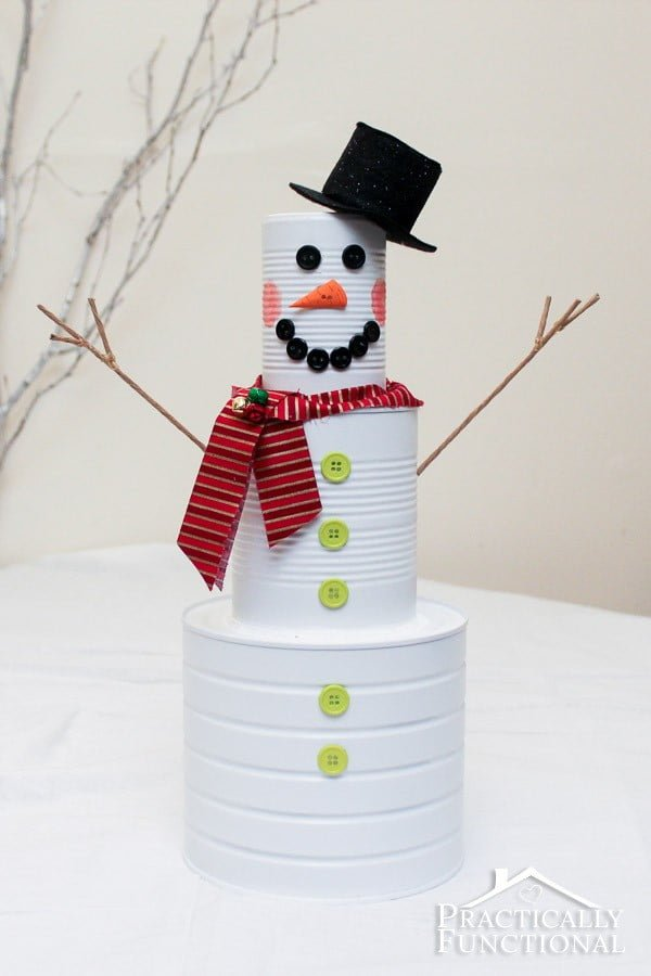 DIY Christmas Craft: Tin Can Snowman #DIY #homedecor #tincan #crafts #repurpose #upcycle