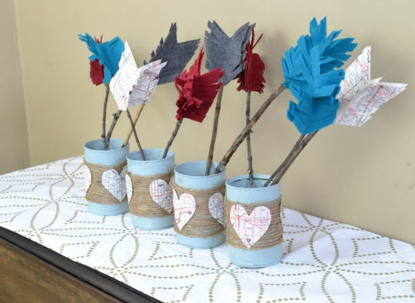 diy rustic valentines day centerpiece with rope and felt