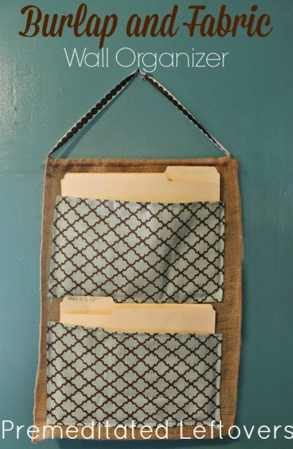 DIY Burlap and Fabric Wall Organizer #DIY #organize #storage #homedecor