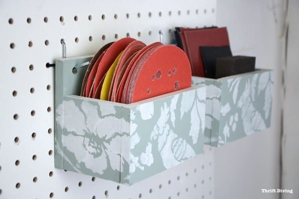 How to Make a DIY Pegboard Organizer For Your Garage or Craft Room #DIY #organize #storage #homedecor