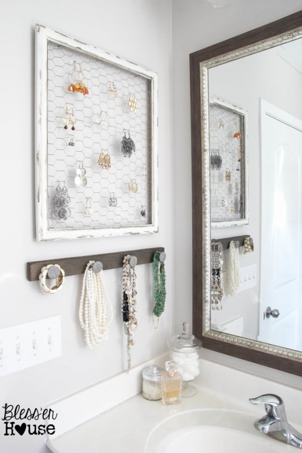 DIY Rustic Industrial Jewelry Organizer #DIY #organize #storage #homedecor