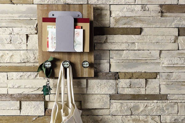 DIY: Recycled Wall Organizer #DIY #organize #storage #homedecor