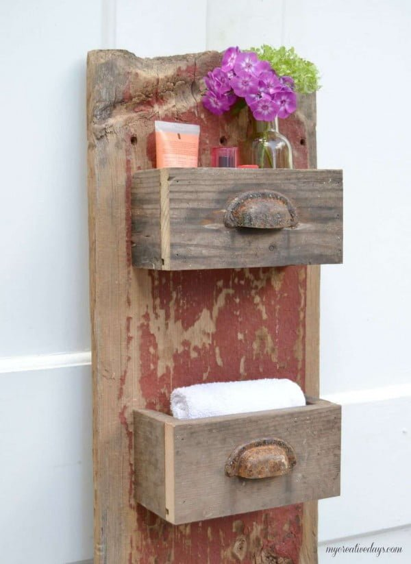 DIY Barn Wood Wall Organizer #DIY #organize #storage #homedecor