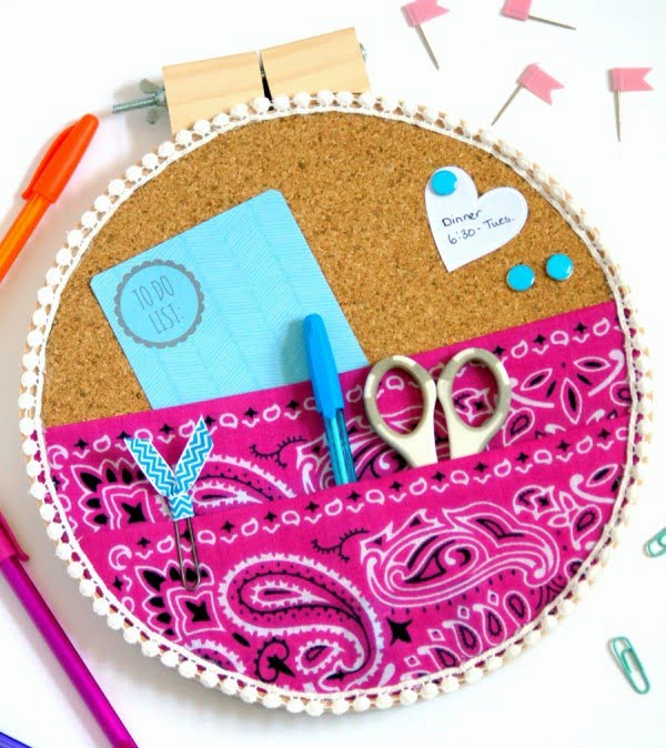 DIY Embroidery Hoop Wall Organizer #DIY #organize #storage #homedecor