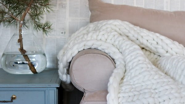 Chunky Knit Blanket DIY