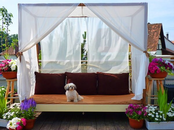 DIY outdoor canopy bed #DIY #woodworking