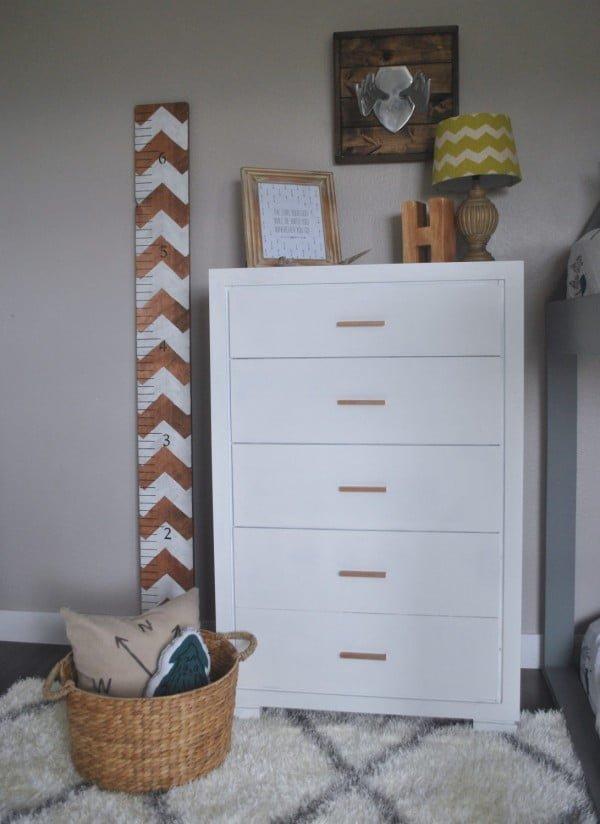 DIY White & Copper Dresser. Revamp Your Furniture Quick #DIY #bedroom #furniture #woodworking #dresser