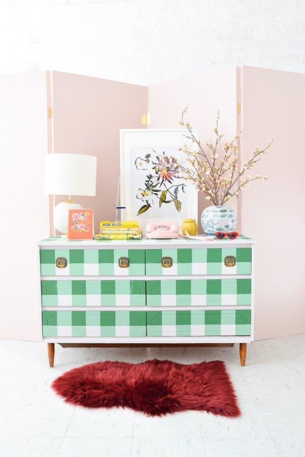 DIY Buffalo Check Dresser • Fusion™ Mineral Paint #DIY #bedroom #furniture #woodworking #dresser
