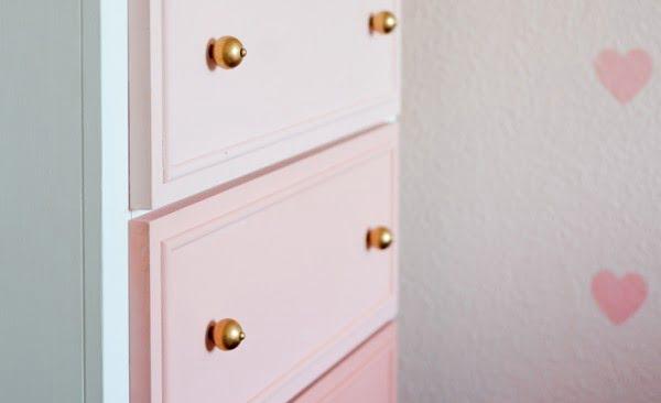 DIY Ombre Dresser Tutorial #DIY #bedroom #furniture #woodworking #dresser
