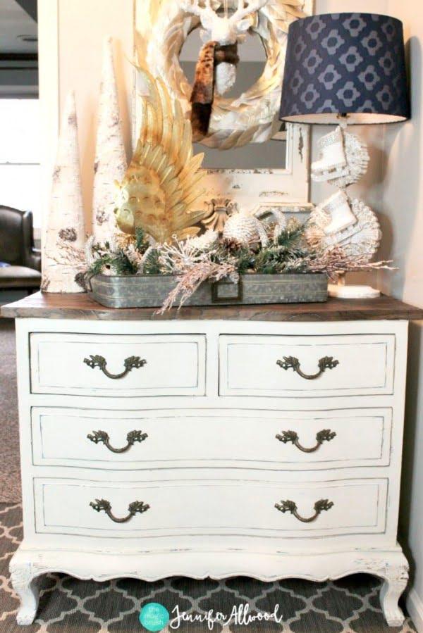 Painted White Dresser #DIY #bedroom #furniture #woodworking #dresser