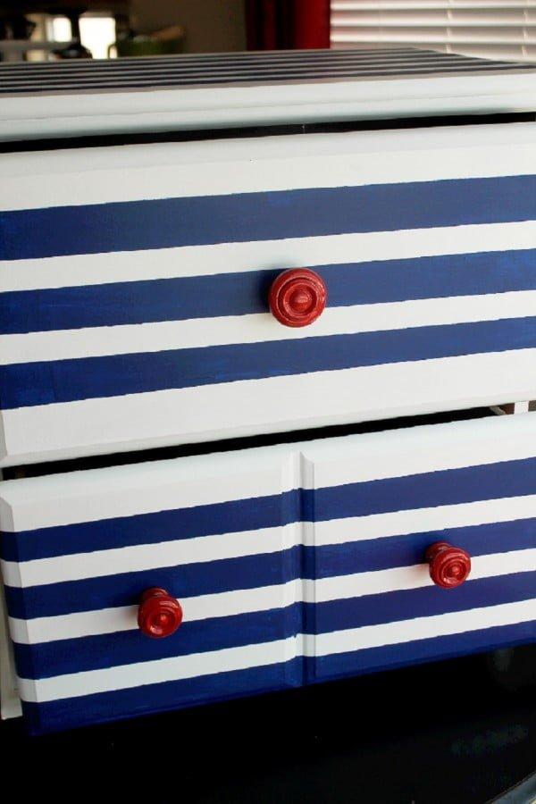 DIY Striped Dresser #DIY #bedroom #furniture #woodworking #dresser