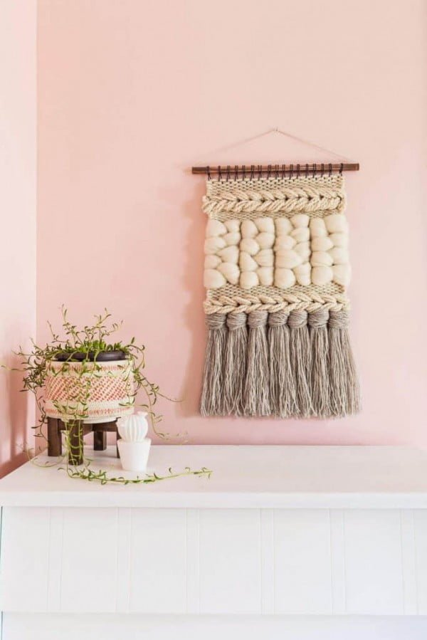 Quick Weave Wall Hanging DIY