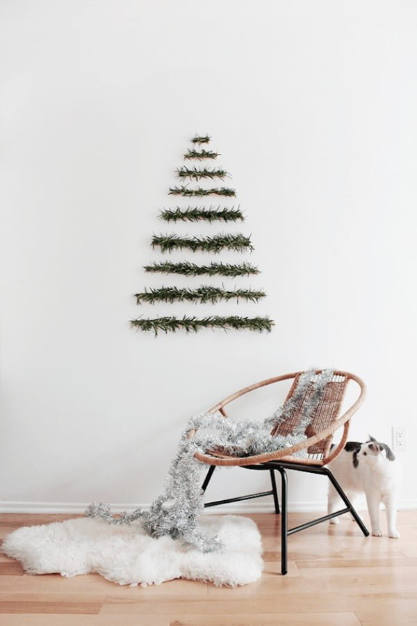 DIY Makeshift Christmas Tree Wall Hanging