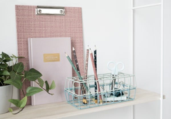 DIY – Wire basket storage for your desk