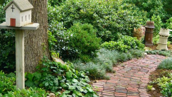 Great garden-path options to ponder    path