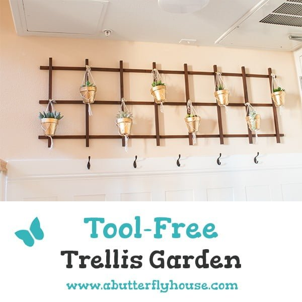 Super Easy DIY Indoor Trellis Garden #DIY #indoor #trellis #houseplants #homedecor
