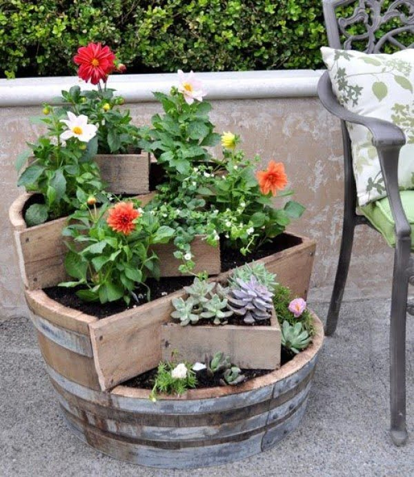 77 Easy DIY Planters and Plant Pots for Indoors and Outdoors