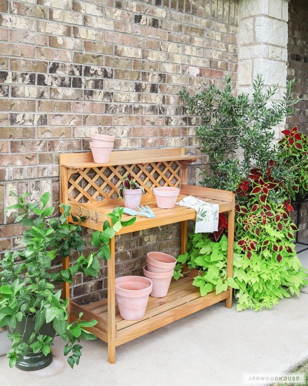 How To Build a DIY Potting Bench